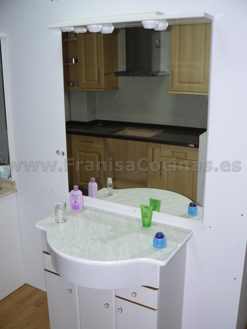 Mueble De Baño Laminado Blanco Exposición Franisa Cocinas