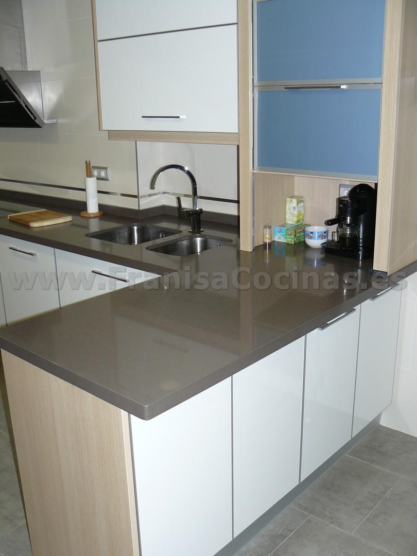 Muebles de cocina laminado blanco y madera franisa cocinas - Muebles de cocina blanco ...