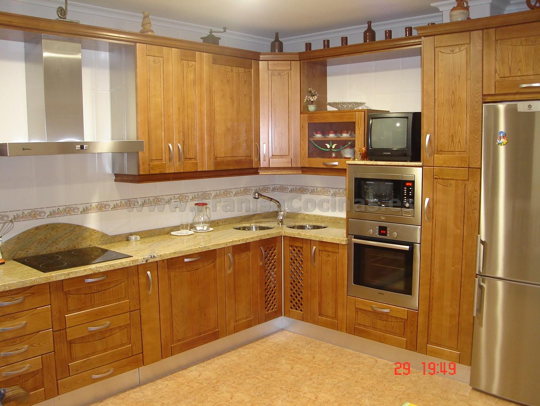 Muebles de cocina de castaño color cerezo – FRANISA Cocinas