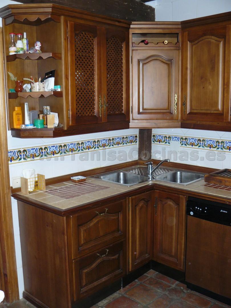 Muebles de cocina r stica madera pino franisa cocinas for Muebles de madera para cocina pequena